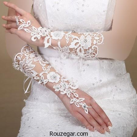 model-lace-gloves-rouzegar-30