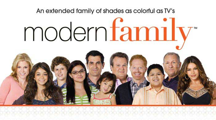 https://rouzegar.com/wp-content/uploads/2014/07/ModernFamily-14-11-92.jpg