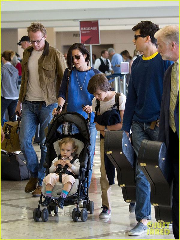 عکسهای جنیفر کانلی و پل بتانی در فرودگاه LAX