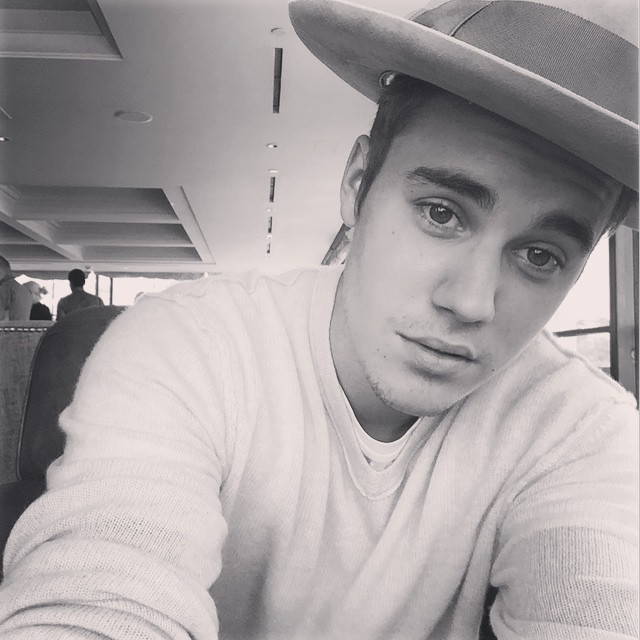https://rouzegar.com/wp-content/uploads/2014/10/justinbieber_Rouzegar.com_11.jpg