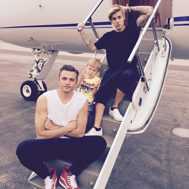 https://rouzegar.com/wp-content/uploads/2014/10/justinbieber_Rouzegar.com_2.jpg