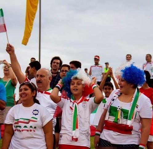 عکس تماشاگران دختر و پسر ایرانی در جام ملت های آسیا 2015