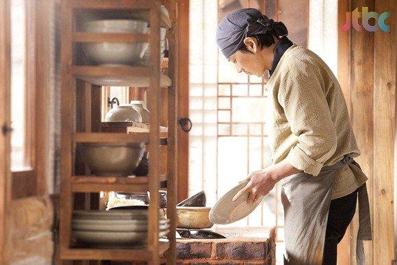 https://rouzegar.com/wp-content/uploads/2015/02/kimchi_family_Rouzegar.com_2.jpg
