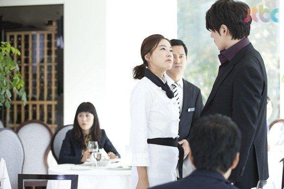 https://rouzegar.com/wp-content/uploads/2015/02/kimchi_family_Rouzegar.com_3.jpg