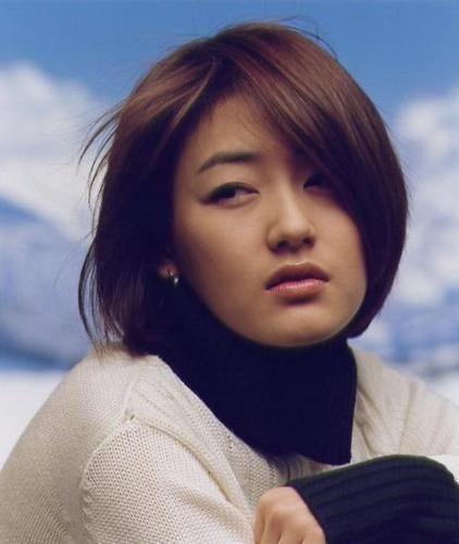 https://rouzegar.com/wp-content/uploads/2015/02/park_jin_hee_Rouzegar.com_13.jpg