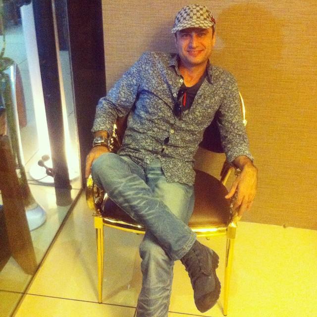 https://rouzegar.com/wp-content/uploads/2015/02/shahram_haghighat_doost_Rouzegar.com_12.jpg