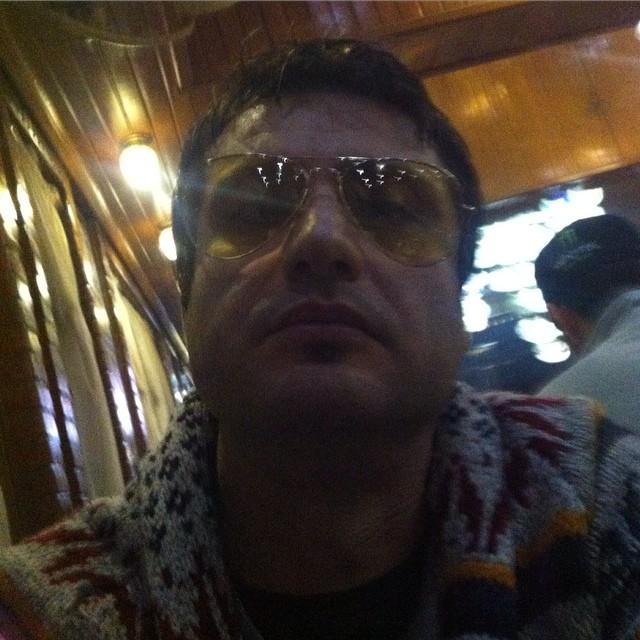 https://rouzegar.com/wp-content/uploads/2015/02/shahram_haghighat_doost_Rouzegar.com_8.jpg