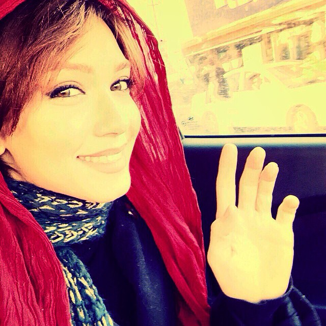 https://rouzegar.com/wp-content/uploads/2015/02/shahrzadkamalzadeh_Rouzegar.com_6.jpg