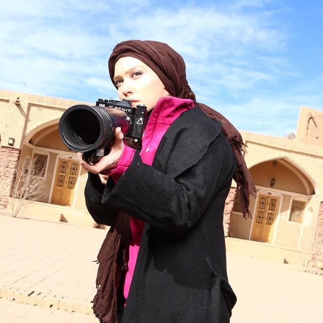 https://rouzegar.com/wp-content/uploads/2015/02/shahrzadkamalzadeh_Rouzegar.com_9.jpg