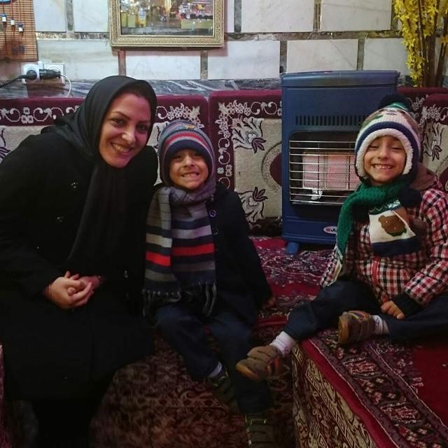 https://rouzegar.com/wp-content/uploads/2015/02/sharifimoghadam_Rouzegar.com_14.jpg