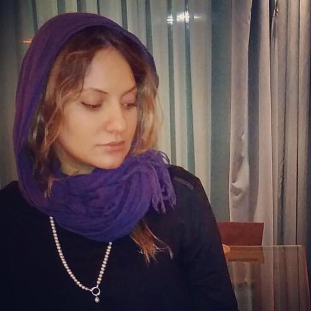 https://rouzegar.com/wp-content/uploads/2015/07/mahnaz_afshar_Rouzegar.com_11.jpg