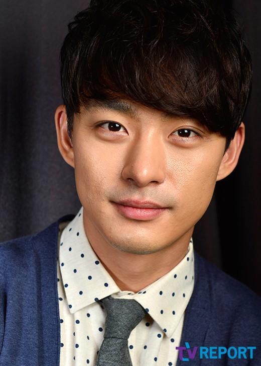 https://rouzegar.com/wp-content/uploads/2015/08/Jun_Tae_Soo_Rouzegar.com_11.jpg