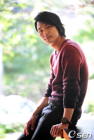 https://rouzegar.com/wp-content/uploads/2015/08/Jun_Tae_Soo_Rouzegar.com_9.jpg