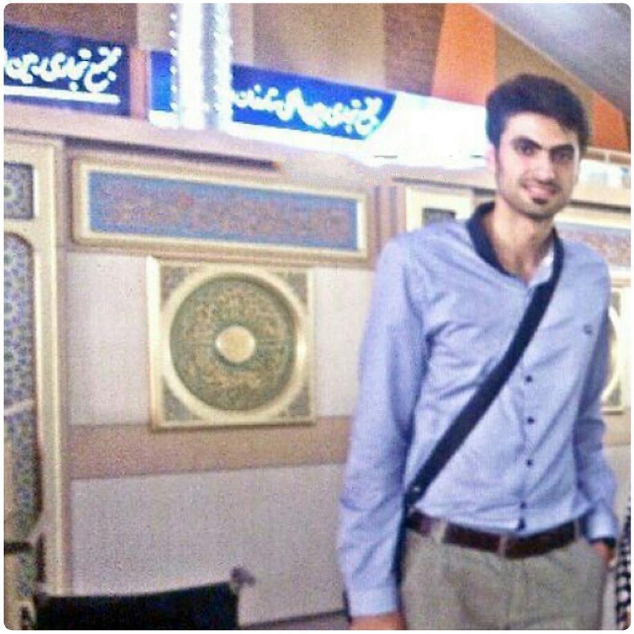 https://rouzegar.com/wp-content/uploads/2015/08/amirghafour_Rouzegar.com_9.jpg