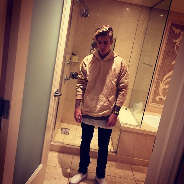 https://rouzegar.com/wp-content/uploads/2015/08/justinbieber_Rouzegar.com_13.jpg