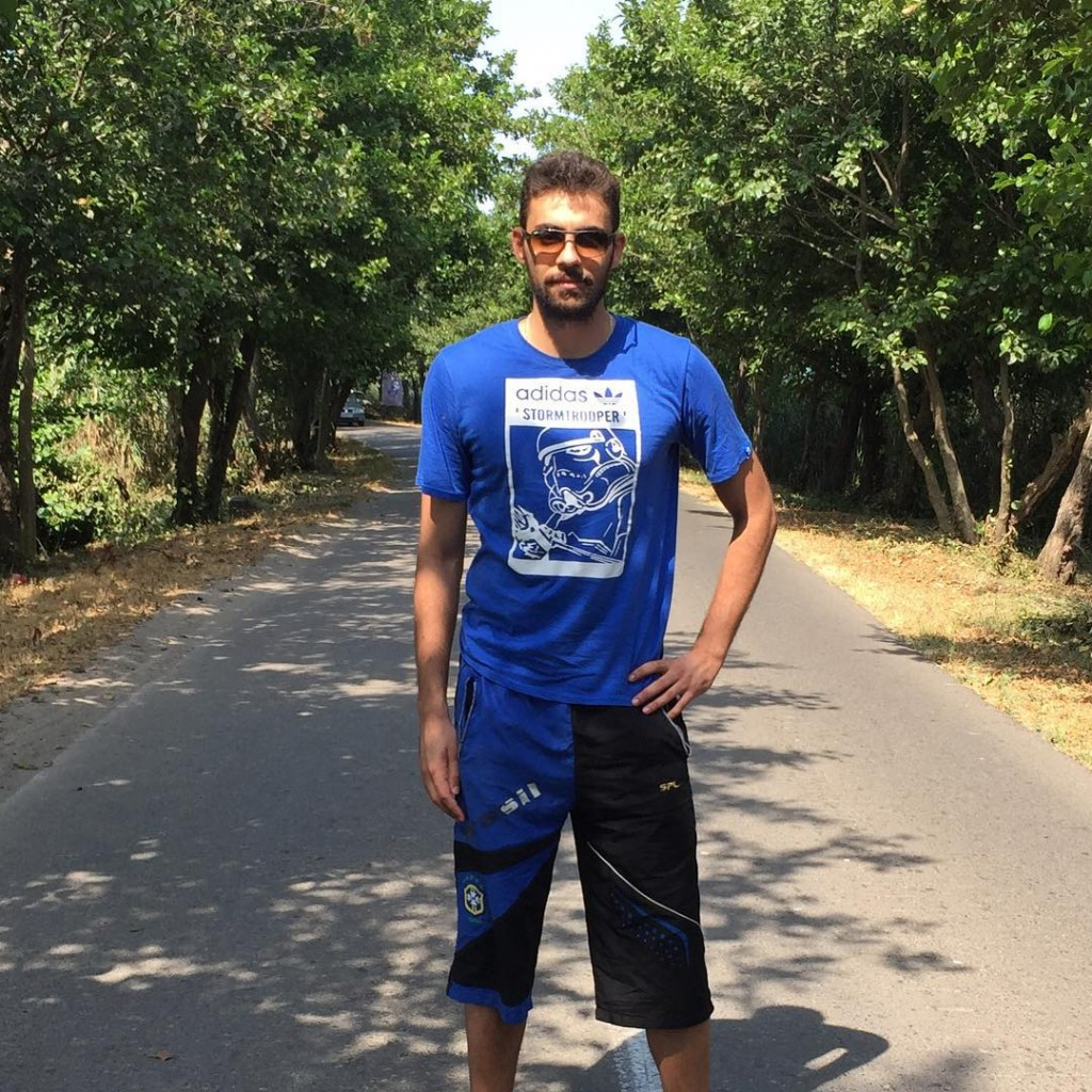 https://rouzegar.com/wp-content/uploads/2015/08/saman_faezi_Rouzegar.com_1.jpg