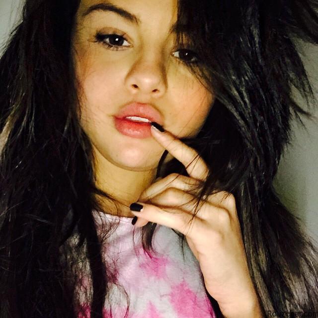 Selena Gomez_Rouzegar (1)