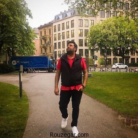محمد علیزاده در حال قدم زدن,محمد علیزاده