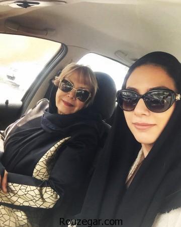 مونا فرجاد و مادرش در اتومبیل ,مونا فرجاد و مادرش,مونا فرجاد