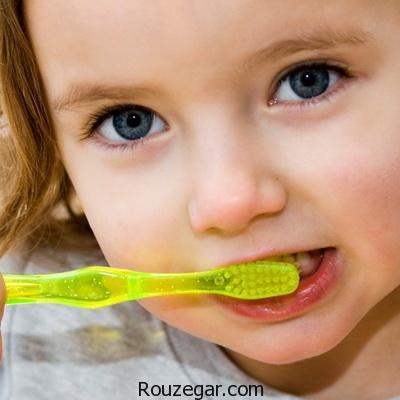 باعث دندان قروچه در کودکان چیست ، دندان قروچه کودک در بیداری ، علت فشار دادن دندانها روی هم ، فشار دادن دندانها روی هم در خواب
