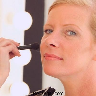 نحوه آرایش چشم خانم های بالای ۴۰ سال