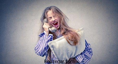 چرا در خواب حرف میزنیم؟,درمان حرف زدن تو خواب,علت حرف زدن کودکان در خواب,درمان خواب گفتاری,داد زدن در خواب,علت راه رفتن در خواب,چیکار کنیم توی خواب حرف نزنیم,چه عواملی باعث حرف زدن در خواب میشود؟,علت حرف زدن با خود