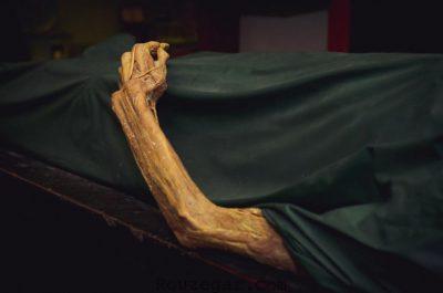 تعبیر خواب مردن مادر,تعبیر خواب مردن خود,تعبیر خواب مردن شخص زنده