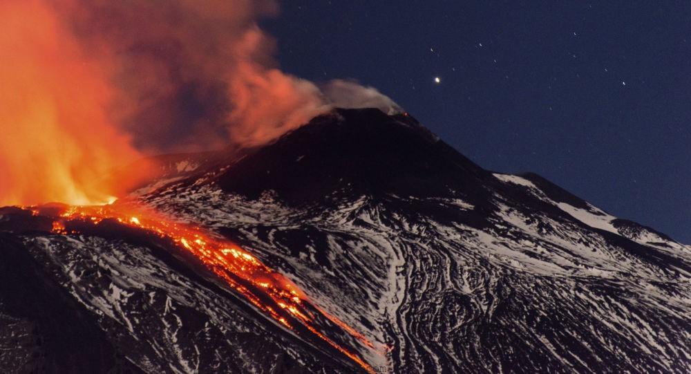 کوه اتنا (Etna volcano)