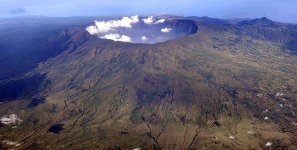 کوه تامبورا (Tambora Volcano)