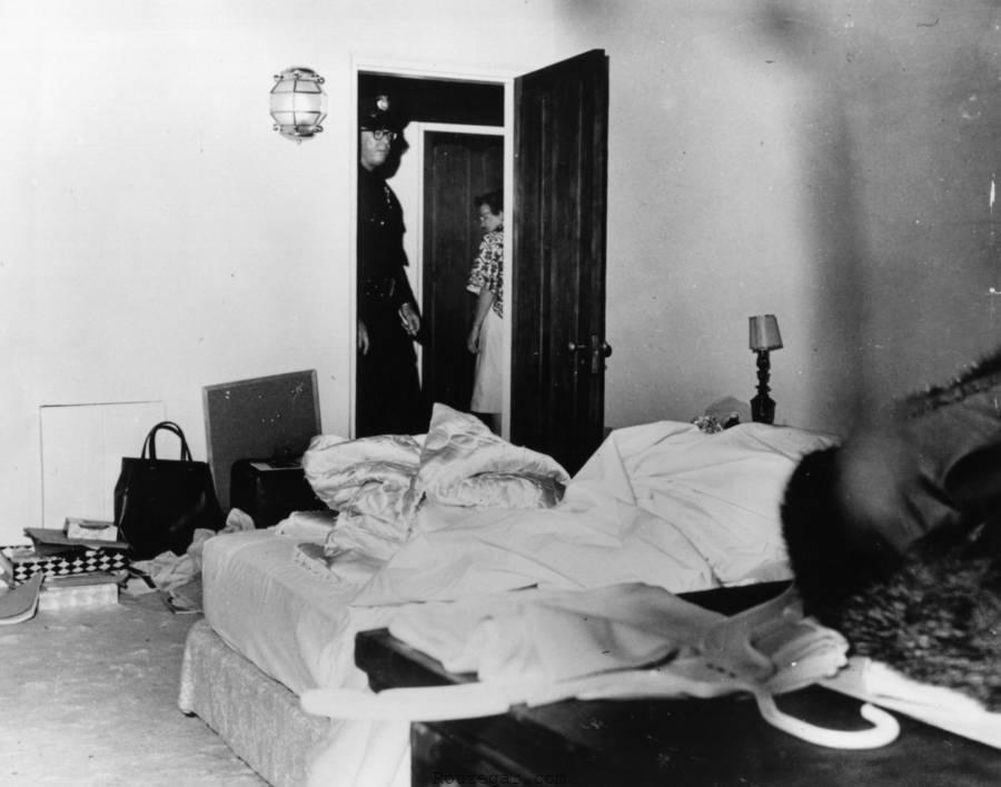 عکس جسد مرلین مونرو