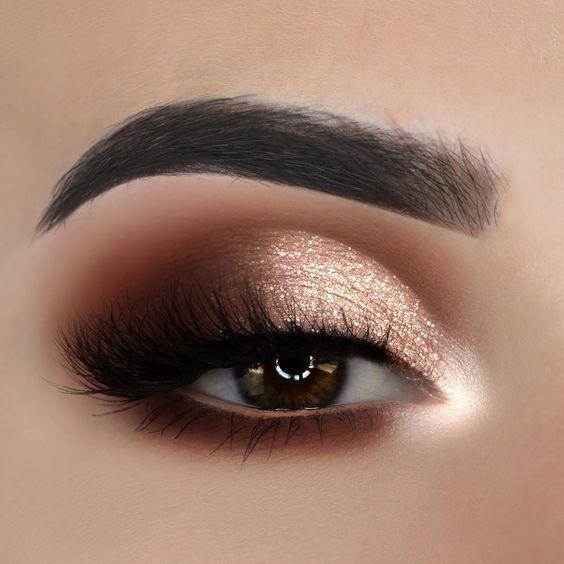 چشمهای قهوه ای