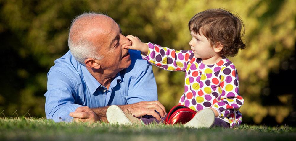 معجزه ارتباط پدربزرگ و مادربزرگ ها با نوه ها