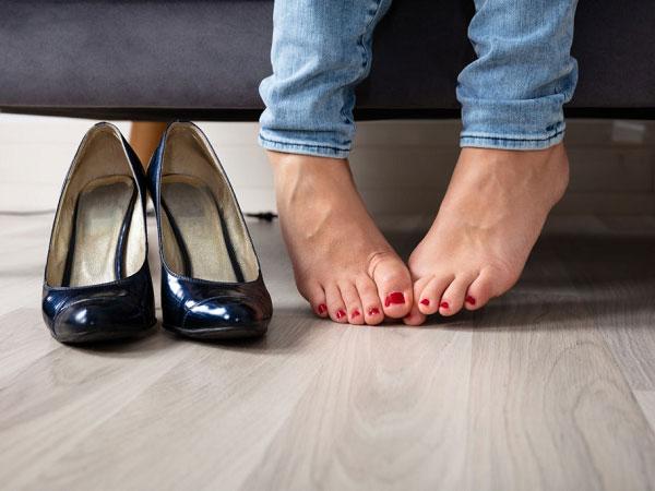 علت بوی بد پا و درمان خانگی و راهای رفع بوی بد پا