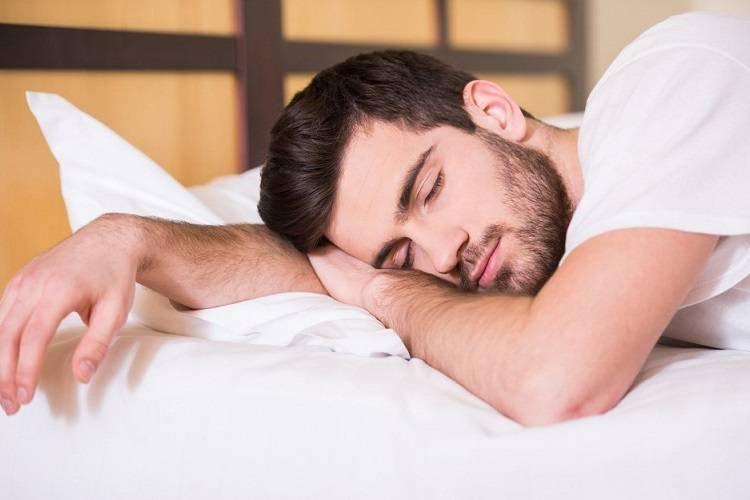 برای خواب بهتر، 90 دقیقه پیش از رفتن به رختخواب دوش بگیرید - زومیت
