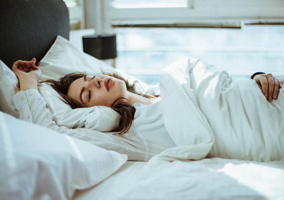 رازهایی که شکل خوابیدن شما درباره شخصیتتان میگوید!