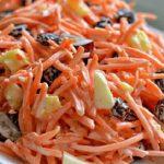 طرز تهیه سالاد هویج و کشمش