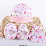 ست کلاه، دستکش و پاپوش نوزاد در طرح ها و رنگ های مختلف