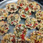 آموزش طرز تهیه پیتزا قالبی کوچک و راز خوشمزه شدن پیتزا قالبی خانگی