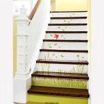 تزیین راه پله با کاغذ دیواری های رنگی و زیبا