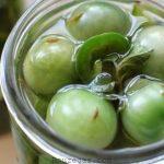 ترشی گوجه سبز با آب نمک و طرز تهیه ترشی گوجه سبز خانگی خوشمزه